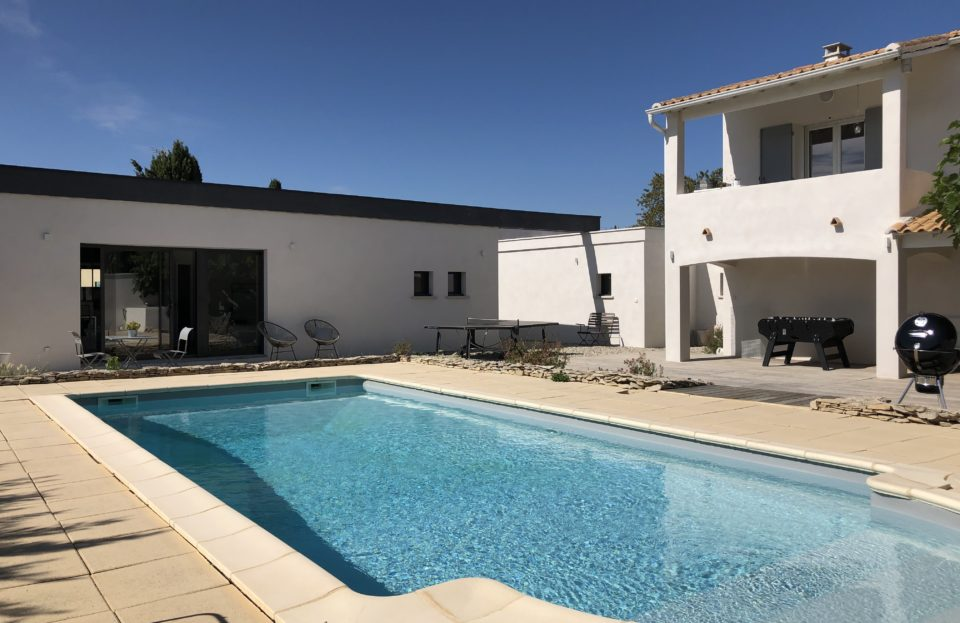 Contemporary house with independent housing, swimming pool and beautiful outdoor space sleeps 8 - Set Immo