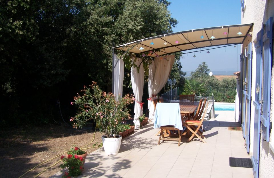 Villa 130 m² with swimming pool on wooded grounds - Set Immo