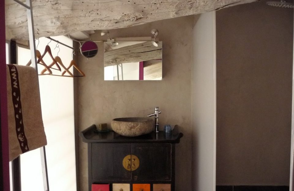 Loft with terrace in the heart of a village house - Set Immo