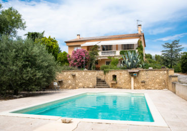 Castillon-Du-Gard, Villa divided into 2 apartments with exceptional views - Set Immo