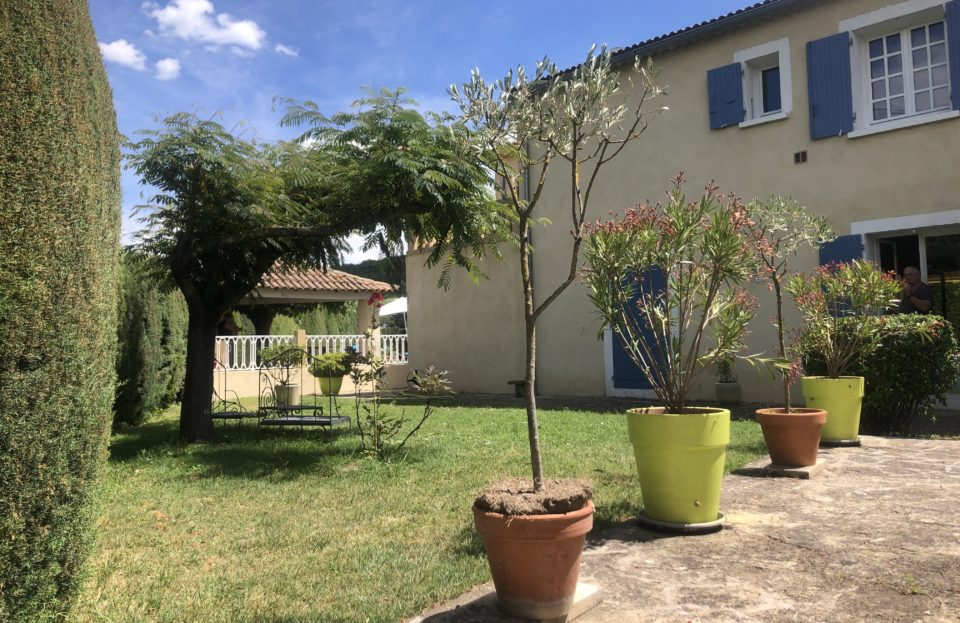 Large property 300 m² in Collias / 3 appart. - Set Immo