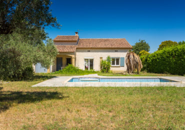 Villa 90 m² with garage, swimming pool, on pretty plot - Set Immo