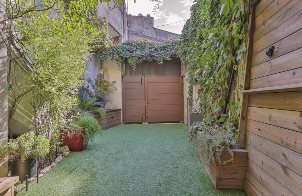 Village house with courtyard, garage and terrace 77m² - Set Immo