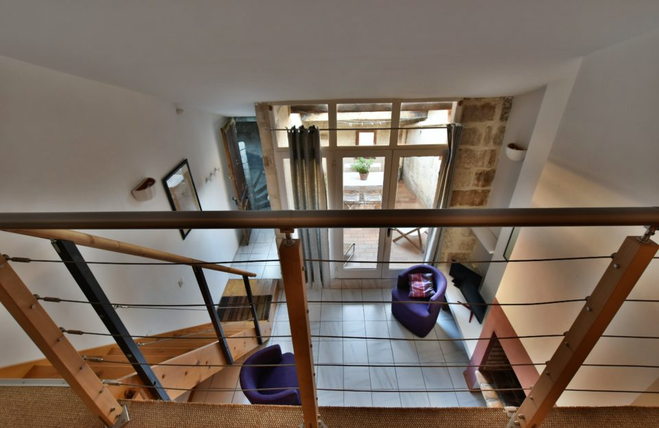 P3 with terrace overlooking the Duchy of Uzès and the Place aux Herbes - SeT Immo